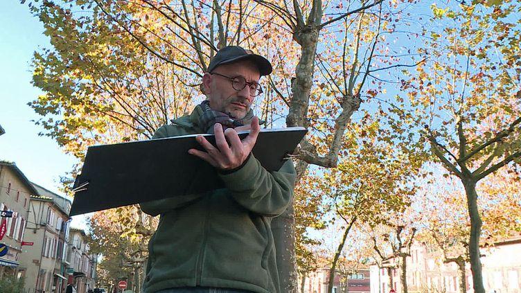 L'illustrateur Vincent Desplanche croque le quotidien à l'aquarelle de Rabastens dans le Tarn (France 3 Occitanie)