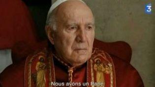 """Michel Piccoli en pleine crise de foi dans """"Habemus Papam"""" de Moretti  (Culturebox)"""