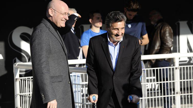 Bernard Laporte, le président de la FFR, avec le président de Montpellier et ténor du bâtiment, Mohed Altrad (FRANCK PENNANT / AFP)