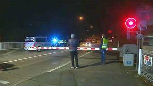 Peu après 17h30, dimanche 14 janvier 2018, un TER Auxerre-Dijon a percuté une voiture qui était immobilisée sur les voies du passage à niveau de Jonches, dans l'Yonne. (FRANCE 3 BOURGOGNE-FRANCHE-COMTE)