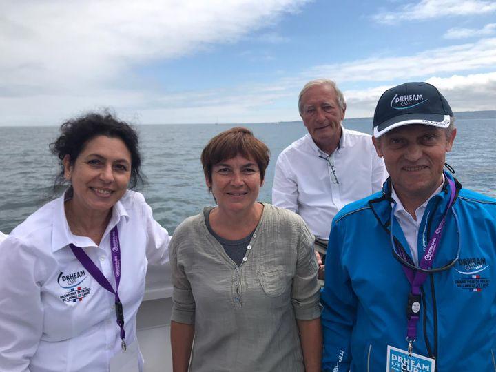 La compagne de Jacques Civilise, Annick Girardin Ministre de la mer, Yves Normand Maire de la Trinité-sur-Mer au second plan, et Jacques Civilise lors du départ de la Drheam Cup 2020