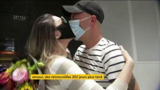 Séparé 202 jours, ce couple germono-brésilien se retrouve (FRANCEINFO)