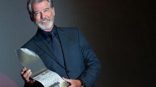 L'acteur irlandais Pierce Brosnan reçoit un hommage au 45e festival du film américain à Deauville, le 6 septembre 2019 (LOIC VENANCE / AFP)