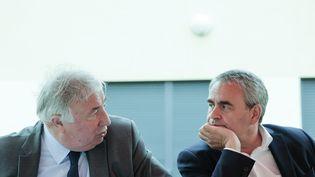 Le président du Sénat, Gérard Larcher, et le président de la région Hauts-de-France, Xavier Bertrand, le 11 juin 2021 àGauchin-Verloingt (Pas-de-Calais). (MAXPPP)