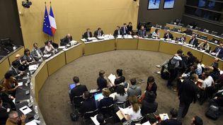 La commission d'enquête parlementaire sur les attentats du 13 novembre rend ses conclusions, à Paris, le 5 juillet 2016. (DOMINIQUE FAGET / AFP)