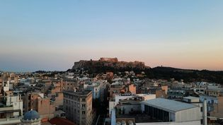 Vue sur l'Acropole, à Athènes, en Grèce, le 14 mai 2021. (BENJAMIN  ILLY / FRANCE-INFO)