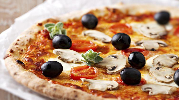 La pizza Reine est la plus consommée par les Français. (SVARIOPHOTO / E+ / GETTY IMAGES)