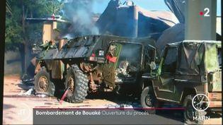 Des véhicules français, après le bombardement de Bouaké. (France 2)
