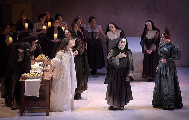 Philippe Talbot, Julie Fuchs, Jodie Devos, Eve-Maud Hubeaux  (Vincent Pontet/Opéra Comique)