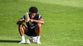Jules Koundé débutera-t-il pour la première fois avec l'équipe de France contre le Portugal le 23 juin 2021 ? (FRANCK FIFE / AFP)