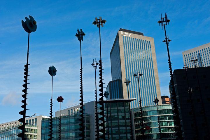 Une installation du scuplteur grecTakis à La Défense, à Paris, en 2014. (WILFRIED LOUVET / ONLY FRANCE)