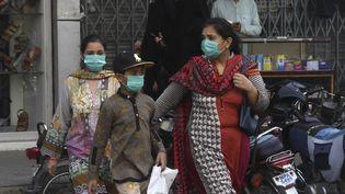 Le Pakistan a dépassé les 100 000 cas de Covid-19 et les hopitaux manquent de lit. (ASIF HASSAN / AFP)