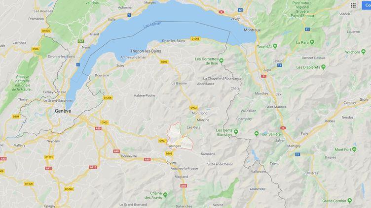 Le camping-car de la victime a été écrasé par un arbre à Taninges. (RADIO FRANCE)