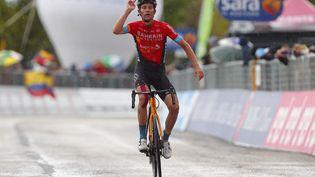Gino Mäder (Bahrain-Victorious), vainqueur de la 6e étape du Tour d'Italie 2021, à Ascoli Piceno le 13 mai 2021. (LUCA BETTINI / AFP)