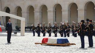 Le Premier ministre Edouard Philippe a rendu hommage à Claude Lanzmann au nom de la France  (JACQUES DEMARTHON / AFP)