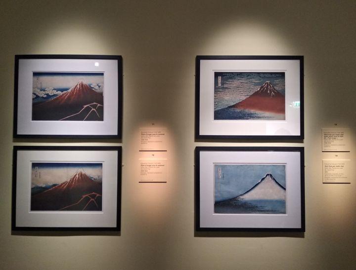 """Quatre """"vues"""" d'Hokusai tirées de la série des """"Trente-six vues du mont Fuji"""" sont exposées jusqu'au 12 octobre au musée Guimet à Paris. (LOLA SCANDELLA/FRANCE INFO CULTURE)"""