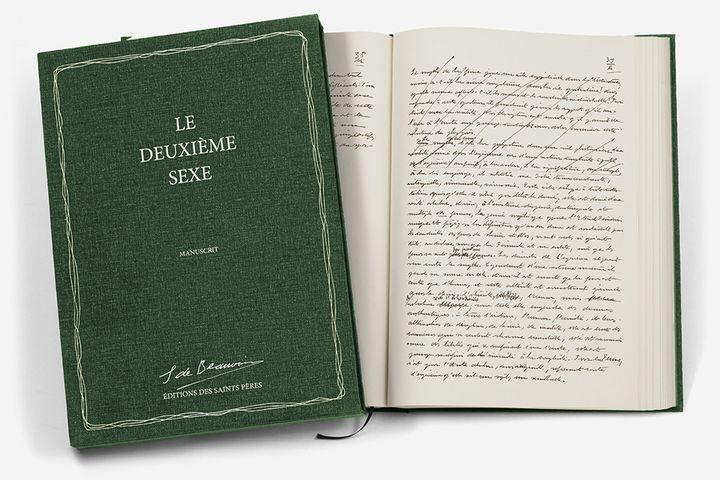 """Le fac-similé du manuscrit du """"Deuxième sexe""""  (Les Saints- Pères)"""