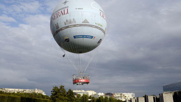 Le ballon de Paris, dans le 15e arrondissement de la capitale, le 4 août 2014. (BERTRAND GUAY / AFP)