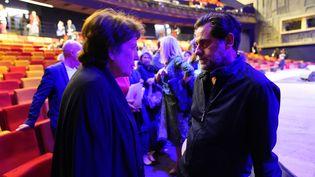 La ministre de la Culture Roselyne Bachelot et Olivier Py, le directeur général du Festival d'Avignon, le 6 juillet 2020. (CHRISTOPHE ABRAMOWITZ / RADIOFRANCE)