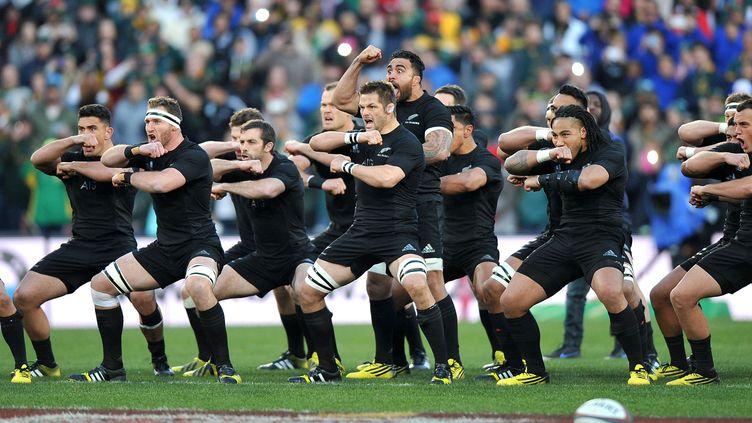 Le traditionnel Haka d'avant-match pour les All Blacks. (GIANLUIGI GUERCIA / AFP)