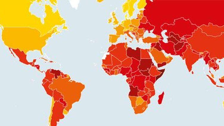 Carte de la corruption dans le monde. Plus le pays est en rouge, plus la corruption y serait importante selon l'ONG Transparency International. (Transparency International)