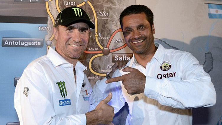 Stéphane Peterhansel et Nasser Al-Attiyah ensemble chez Mini (FRANCK FIFE / AFP)