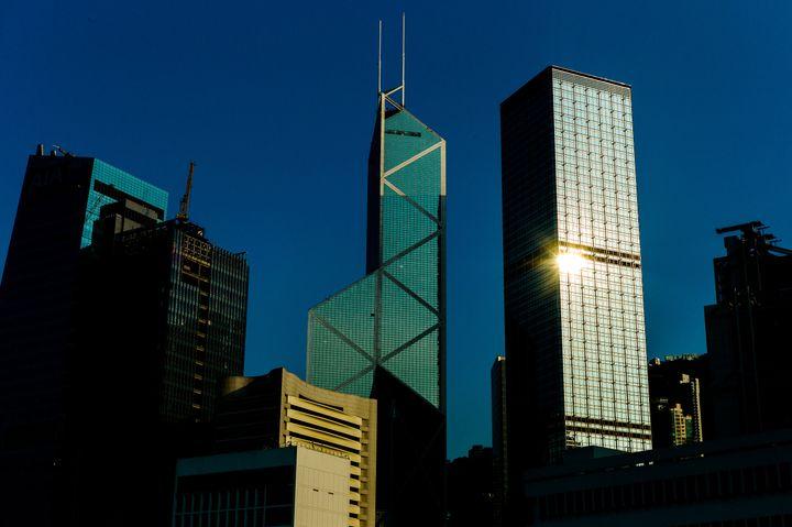 La Bank of China tower, conçue par l'architecteIeoh Ming Pei, photographiée le 30 juillet 2012. (PHILIPPE LOPEZ / AFP)