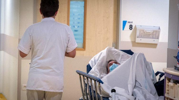 L'hôpital de Metz (Moselle), le 31 décembre 2020. (NICOLAS BILLIAUX / HANS LUCAS / AFP)