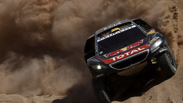 Stéphane Peterhansel (Peugeot) lors du Dakar 2016. (FRANCK FIFE / AFP)