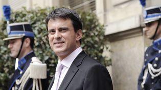 Le ministre de l'Intérieur, Manuel Valls, place Beauveau à Paris,mardi 31 juillet 2012. (BERTRAND GUAY / AFP)