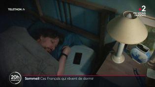 De plus en plus de Français ont des nuits perturbées. France Télévisions s'est rendue au CHU de Bordeaux (Gironde) afin d'en savoir plus sur les troubles du sommeil. (France 2)