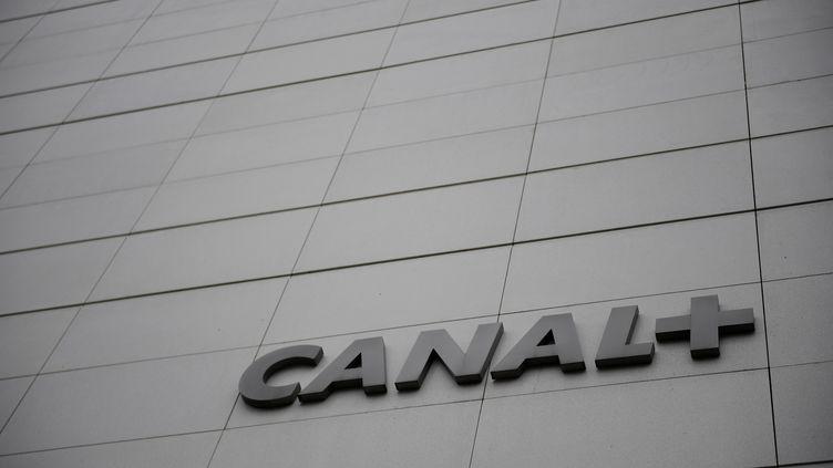 Le siège de Canal+, le 27 novembre 2017 à Issy-les-Moulineaux (Hauts-de-Seine). (MARTIN BUREAU / AFP)