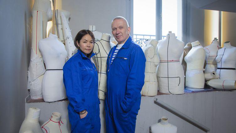 Chitose Abe, la directrice artistique de la maison japonaise Sacai et le couturier Jean Paul Gaultier (Gio_Staian)