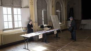 Le premier tour de l'élection municipale de Saint-Ouen (Ile-de-France), le 15 mars 2020. (MAXPPP)