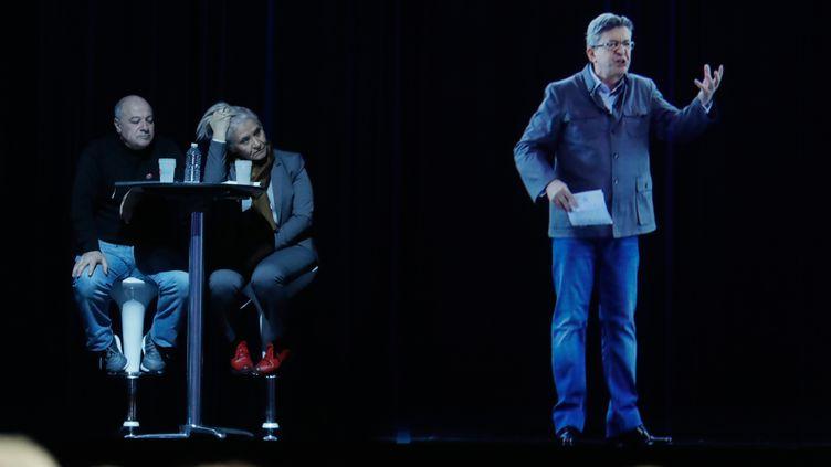 Jean-Luc Mélenchon, ou plutôt son hologramme, à Aubervilliers (Seine-Saint-Denis), le 5 février 2017. (CHRISTIAN HARTMANN / REUTERS)