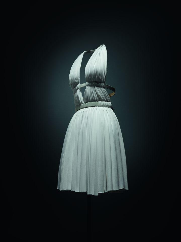 Robe fabriquée par la couturier Azzedine Alaïa. (ANDREA ET VALENTINA)
