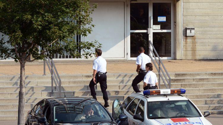 Le commissariat de Vénissieux(Rhône), le 11 septembre 2012. (PHILIPPE DESMAZES / AFP)