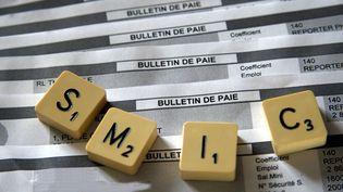 Le dernier coup de pouce au smic remonte au 1er juillet 2012. Au lendemain de l'élection de François Hollande, le salaire minimum avait été revalorisé de 2%, au lieu de 1,4%. (MAXPPP)