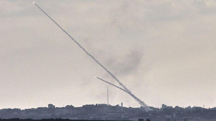 Des roquettes vues depuis la ville israélienne de Sderot, le 15 juillet 2014. (JACK GUEZ / AFP)