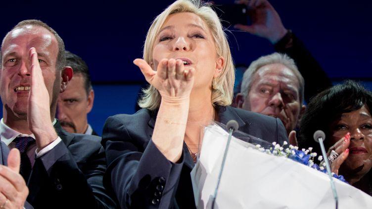La candidate du Front national, Marine Le Pen, lors de son discours à Hénin-Beaumont (Pas-de-Calais), le 23 avril 2017. (KAY NIETFELD / DPA / AFP)