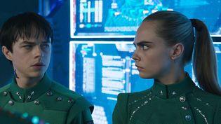 """Dane DeHaan et Cara Delevingne dans """"Valérian et la Cité des mille planètes"""" de Luc Besson  (EuropaCorp - VALERIAN SAS – TF1 FILMS PRODUCTION)"""