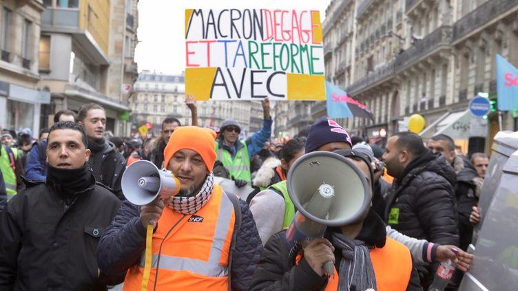 Manifestation contre la réforme des retraites du gouvernement entre Gare de l'Est et Gare saint Lazare. (PHILIPPE DE POULPIQUET / MAXPPP)