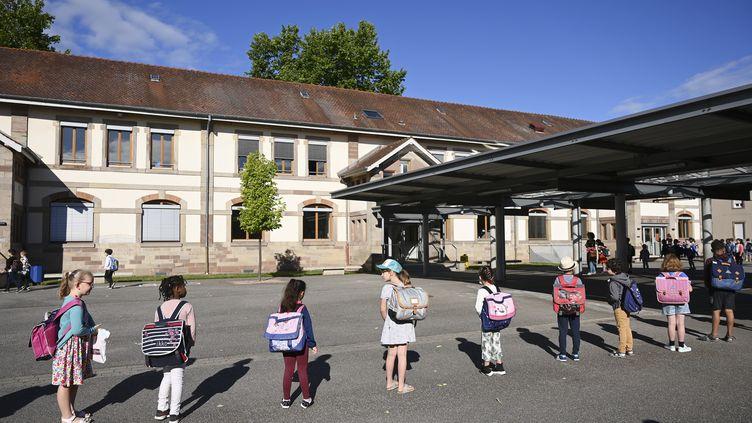 Une école primaire de Strasbourg (Bas-Rhin). Photo d'illustration. (FREDERICK FLORIN / AFP)
