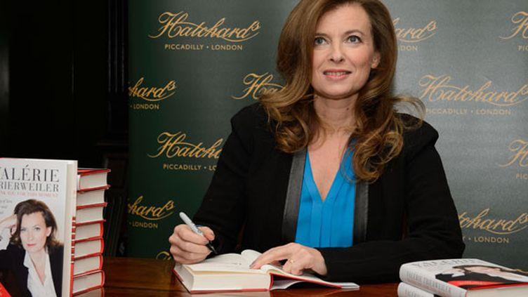 Valérie Trierweiler signe son livre (novembre 2014)  (Leon Neal / AFP)