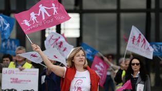 Ludovine de La Rochère, présidente de La Manif pour tous, lors d'une manifestation contre la GPA, le 10 mai 2016, à Nantes (Loire-Atlantique). (JEAN-SEBASTIEN EVRARD / AFP)