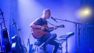 Le chanteurAsaf Avidan au Blue Balls Festival à Lucerne en Suisse, le 28 juillet 2018. (URS FLUEELER / KEYSTONE)