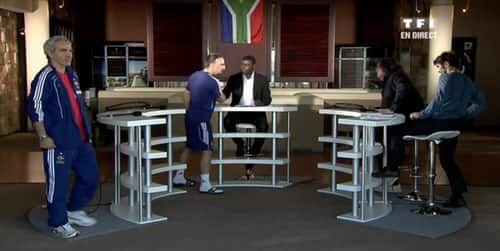 Franck Ribéry en claquettes-chaussettes sur le plateau de Téléfoot