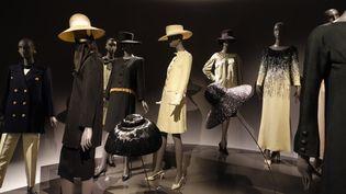 Le Musée Yves Saint Laurent Paris ouvre ses portes mardi 3 octobre 2017, avec un parcours rétrospectif inédit de l'oeuvre du couturier, présenté dans l'ancienne maison de couture où naquirent ses créations de 1974 à 2002. (CORINNE JEAMMET / CULTUREBOX)