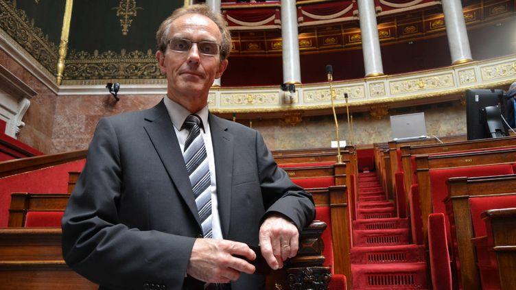 Le député du Morbihan Philippe Noguès prend la pose dans l'hémicycle, le 19 juin 2012. (MAXPPP)
