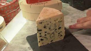 Le Nutri-score fait l'objet de débats devant le Parlement européen. Les producteurs de Roquefort, mais aussi de parmesan italien et d'huile d'olive espagnole demandent à en être exemptés. (Capture d'écran France 2)